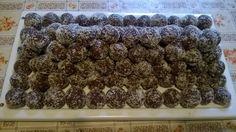 Pár szem kókuszos csoki golyó.... ezt is nagyon szereti a családom!!! Cereal, Breakfast, Desserts, Food, Morning Coffee, Tailgate Desserts, Deserts, Eten, Postres