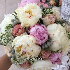 Η νυφική ανθοδέσμη της Αλεξάνδρας! Bouquet handmade by Nikolas Ker