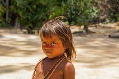 Indio Kind, Mitglied eines Indio-Stammes, in der Gegend von Manaus. Hoop Earrings, Fashion, Manaus, Amazons, Modern Man, Lifestyle, Moda, Fashion Styles, Fasion