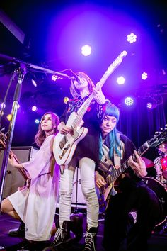 Scandal Japanese Band, Mami Sasazaki, Japanese Girl Band, Guitar Girl, Girl Bands, Rock Bands, Maid, Concert, Celebrities