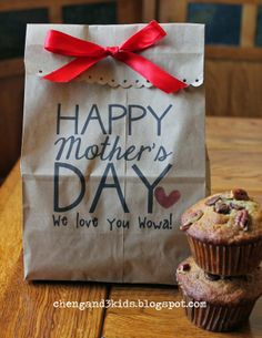 Mother's Day Gift Bag by chengand3kids.blogspot.com #mothersday #giftbag #paperbag