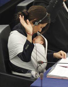 Babywearing in Parliament