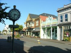 After you have a bagel or perhaps a treat from Ramone's Bakery, wander around Old Town and discover so many treasures.