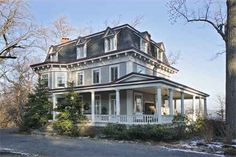 The great old house where the Julia Roberts-Susan Sarandon movie Stepmom was filmed is back on the market in Upper Nyack.