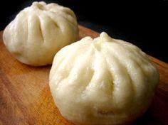 Mandu .... oder Baozi, Famian etc, etc Mandu ist der koreanische Oberbegriff für alle herzhaft gefüllten Teigtaschen, die in jedem Kulturkreis bzw. in fast jedem Land auf der Welt unter verschiedensten Namen...