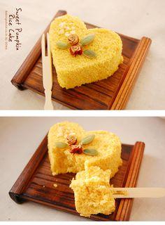 단호박떡케이크 - 베이킹스쿨(교훈:배워서남주자) Rice Cakes, Korean Food, Cornbread, Sweets, Baking, Yellow, Breakfast, Ethnic Recipes, Millet Bread