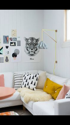 Lounge room styling - pillows