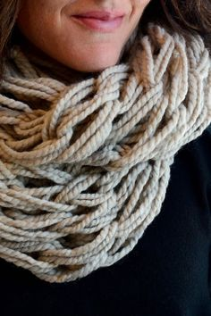 Aesthetic Nest: Knitting: Arm Knit Infinity Cowl (Tutorial)