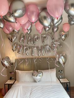 21st Bday Ideas, Birthday Ideas For Her, Birthday Goals, Birthday Party For Teens, 14th Birthday, Balloons For Birthday, 18th Birthday Gift Ideas, 21st Balloons, 18th Birthday Party Themes