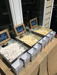 33 Ideas Wedding Favors Cheap Fall Popcorn Bar For 2019 - Dream Wedding Ideas Cheap Favors, Wedding Favors Cheap, Dessert Party, Dessert Table, Candy Buffet Tables, Wedding Popcorn Bar, Wedding Snack Bar, Candy Bar Wedding, Popcorn Bar Party