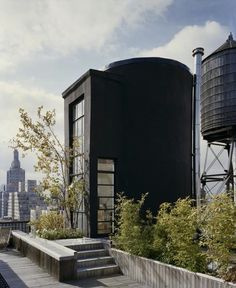 converted water tank on roof deck | o-rorke-tank-house-5