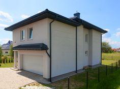 Dom w miejscowości Kwirynów (widok na garaż).