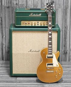 This Gibsundaily's winner! Thank you for tagging us in this awesome Marshall + Gibson Les Paul Classic Goldtop… Guitar Rig, Guitar Shop, Music Guitar, Guitar Picks, Cool Guitar, Acoustic Guitar, Bass Guitars, Electric Guitars, Gibson Les Paul