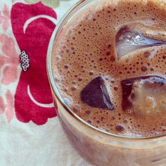 Looking for a coffee alternative? This creamy smoothie will kick your iced coffee cravings to the curb!