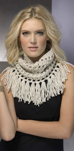 fringe crochet cowl - pattern in the Fringe Benefits crochet book