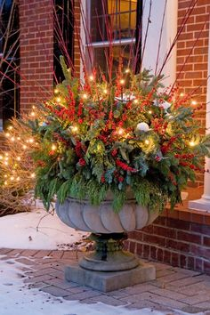 Holiday urn