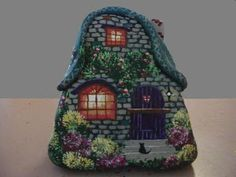 painting a rock to look like a house Pebble Painting, Pebble Art, Stone Painting, House Painting, Rock Painting, Stone Crafts, Rock Crafts, Stone Houses, Rock Houses