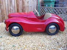 pedal cars for sale Classic Cars British, Car Gadgets, Kids Ride On, Pedal Cars, Mini Bike, Old Toys, Amazing Cars, Cars For Sale, Vintage Cars