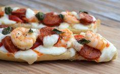 """750g vous propose la recette """"Bruschetta aux gambas et chorizo"""" publiée par degnat. Chorizo, Bruchetta, Pause, Street Food, Food Dishes, Food Inspiration, Delish, Good Food, Food Porn"""