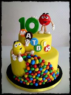 15 Ideas birthday kids cake kuchen for 2019 Crazy Cakes, Fancy Cakes, Cute Cakes, Beautiful Cakes, Amazing Cakes, Fondant Cakes, Cupcake Cakes, Gravity Cake, Birthday Cake Decorating