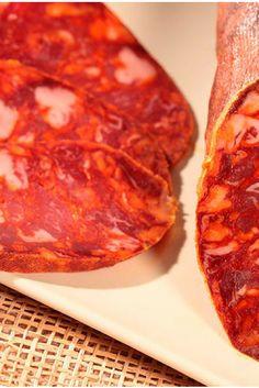 Recipe of Spanish Chorizo - Iberian Sausages Salami Recipes, Chorizo Recipes, Mexican Food Recipes, Homemade Chorizo, Homemade Sausage Recipes, Tapas, Chorizo Sausage, How To Make Sausage, Sausage Making