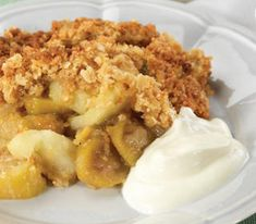 If you have a feijoa tree, you may have so many feijoas that you don't know what to do with them! This Feijoa and Apple Crumble is a fantastic autumn dessert. Fejoa Recipes, Apple Recipes, Brunch Recipes, Dessert Recipes, Cooking Recipes, Cooking Ideas, Recipies, Apple Crumble Recipe, Pie Crumble