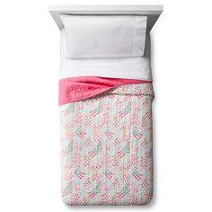 Fetching Florals Quilt - Pillowfort™
