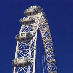 The London Eye.. #londoneye #bigwheel #pods #cloud #london #westminster #westminsterbridge #thames #river #capital #wheel #architecture #historic #history #parliament #housesofparliament #government #royalty #landmark #bluesky #clouds #touristattraction #tourist #england #travel