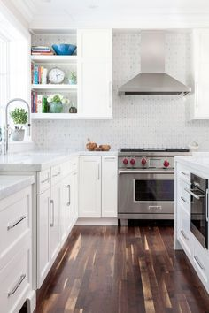 Transitional+and+luxury+kitchen,+Designed+by+Jessica+Snyder-Betts