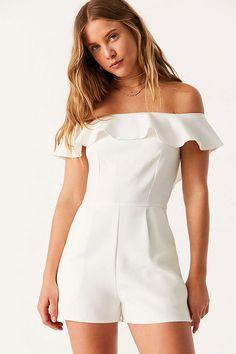 ac334a09a04c1a 40 Best Bachelorette Party Style   Outfit Ideas images