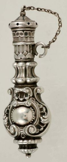 Antique vintage Victorian scrolled sterling silver vinaigrette or scent perfume…