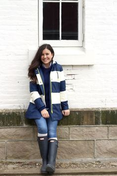 Long Rain coat Raincoat - Stylish Rain coat Fashion - - Stylish Rain coat For Women - Rain coat Pattern - Cute Raincoats, Raincoats For Women, Jackets For Women, Clothes For Women, Raincoat Outfit, Yellow Raincoat, Hooded Raincoat, Burberry, Rain Wear