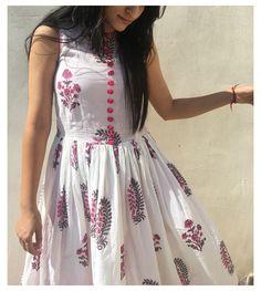 Frock Fashion, Indian Fashion Dresses, Dress Indian Style, Indian Designer Outfits, Designer Dresses, Designer Wear, Cotton Dress Indian, Cotton Long Dress, Cotton Dresses