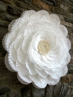 DIY Valentine's Day Bouquet of Flowers. Have Coffee Filters? Make this great gift today! DIY:: Coffee Filter Flower Wreath - (great decoration for home or party)Gorgeous coffee filter flower tutorial beautiful for weddings or bridal shower! it's HUGE Coffee Filter Wreath, Coffee Filter Crafts, Coffee Filter Flowers, Coffee Filters, Coffee Filter Art, Coffee Crafts, Bridal Shower Flowers, Bridal Shower Decorations, Bridal Showers