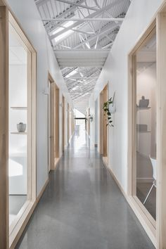 Les nouveaux bureaux de Lareau donneraient le goût à tout le monde d'y travailler au Québec - Joli Joli Design