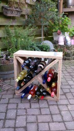 Gratis bouwtekeningen voor steigerhout meubelen tuinbanken loungebanken kasten van - Plank wandmeubel ...