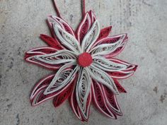 Red white Christmas tree ornament Paper by GeorgianaArtAndStyle Paper Quilling Designs, Quilling Paper Craft, Quiling Paper, Quilling Ideas, Quilling Flowers, Paper Flower Decor, Flower Decorations, Paper Flowers, Christmas Tree Decorations