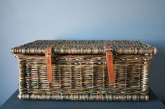valise en osier brut et cuir. k-batz, atelier de vannerie. www.k-batz.com