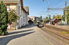 (2) Cicignon - Liker du det kortreist? Lys og lun toroms hjørneleilighet i toppetasjen med utsikt og ett minutt til toget   FINN.no