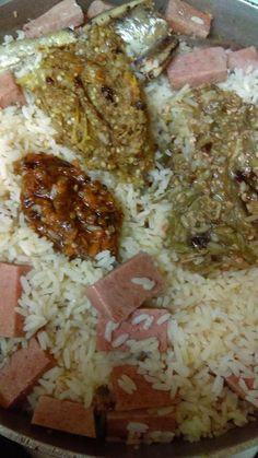 Liberian Food Dry Rice with Fish, lunchon meat, peppers - Zainab Sheriff - African Food Gambian Food, Cookbook Recipes, Cooking Recipes, Liberian Food Recipe, Dry Rice, West African Food, Nigerian Food, Indian Food Recipes, African Recipes
