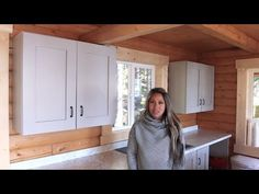 Building Kitchen Wall Cabinets - Easy to Customize - YouTube Kitchen Cabinet Crown Molding, Kitchen Base Cabinets, Wall Cabinets, Kitchen Office, Ana White, Build Your Own, Mudroom, Woodworking, Shelves
