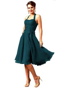 Im in love with this gorgeous teal dress