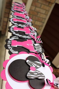 MINNIE MOUSE Custom Name Banner in Hot Pink and by ekcscrapping, $25.00