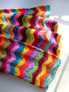 I want a chevron crochet blanket so bad #can't crochet or follow instructions