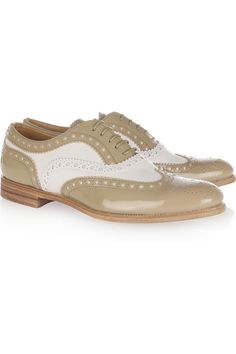 Church's Burwood two-tone leather brogues - My Color Fashion Dream Shoes, New Shoes, Boat Shoes, Leather Brogues, Leather Shoes, See By Chloe Bags, Alexander Mcqueen Bracelet, Women Oxford Shoes, Burberry Brit