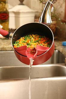easy strainer. this would make my life so much easier.