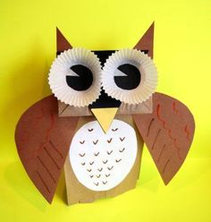 Paper bag owl puppet (another version here: http://inspireimaginationthroughcreation.blogspot.co.uk/2012/10/using-leaves-paper-bag-puppet-owl.html)