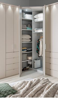 Top 13 Storage Room Door Concepts to Try to Make Your Bed Room Clean as well as Sizable Wardrobe Interior Design, Wardrobe Door Designs, Bedroom Closet Design, Home Room Design, Closet Designs, Home Decor Bedroom, Corner Wardrobe Closet, Bedroom Built In Wardrobe, Wardrobe Room