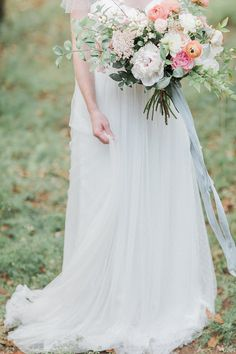 Wedding Styling Ideas Details Decor Planning Advice Ribbon Bouquet Pastel Pretty http://dyannalamora.com/
