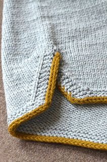 Ravelry: Sports pattern by Stephen West ~ :-) Stephen has created shorts here but I rather like this detail for a sleeve!Increases: good idea for side vents that will give comfortable movement but not flare open. ~~ Ravelry: Sports pattern by Stephen Knitting Stitches, Knitting Designs, Knitting Projects, Baby Knitting, Knitting Patterns, Crochet Patterns, How To Purl Knit, Knitted Shawls, Sew Ins